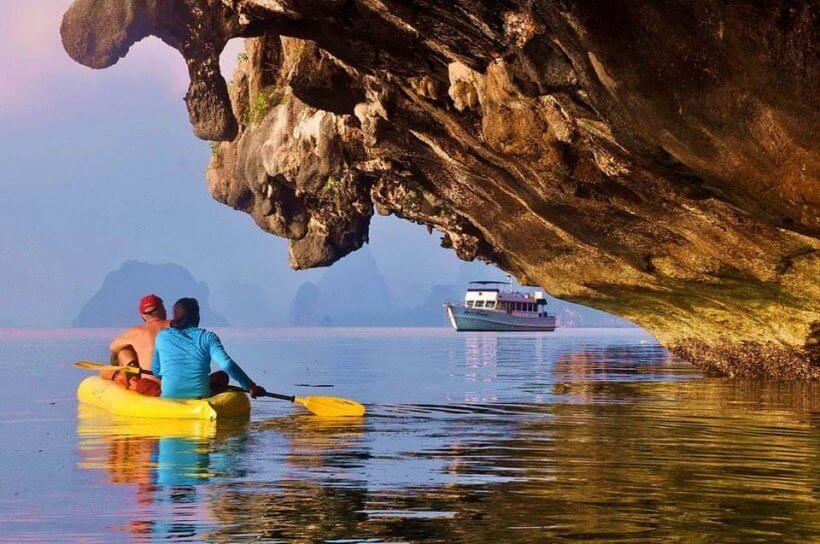 Hong Sea Canoe